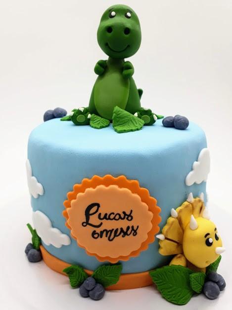Mini bolo mesversário dinossauro